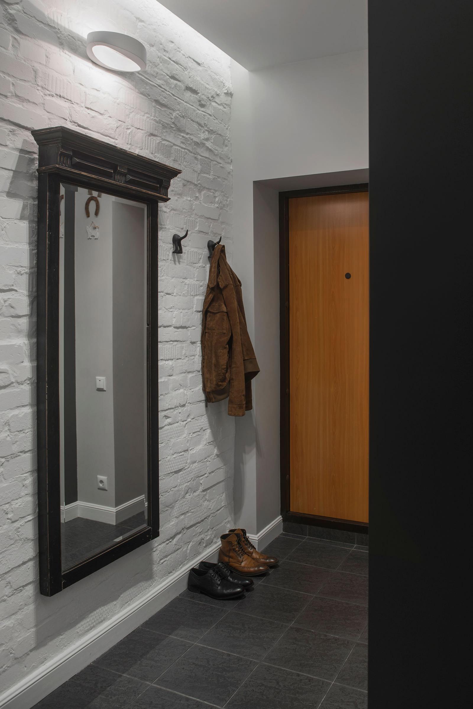 Дизайн маленького коридора с зеркалом