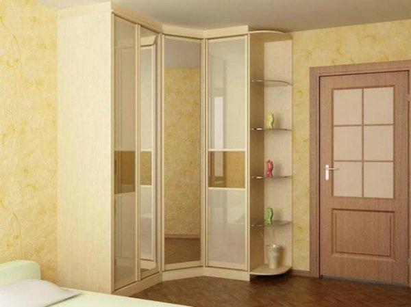 Для углового шкафа-купе необходимо наличие в коридоре прямого незанятого угла