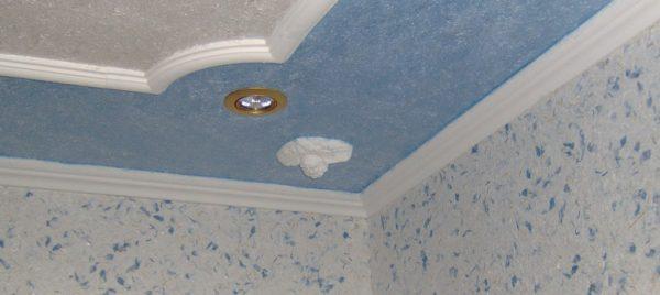 С помощью декоративной штукатурки можно создать различные фактурные покрытия