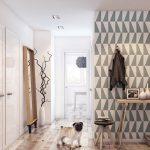На фото — вариант дизайна маленькой прихожей с использованием различных материалов и расцветок на полу и стенах