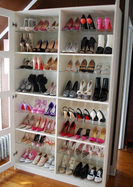 Изящная и компактная конструкция шкафа для обуви