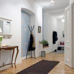 Светлая древесина на полу характерная для Скандинавского стиля