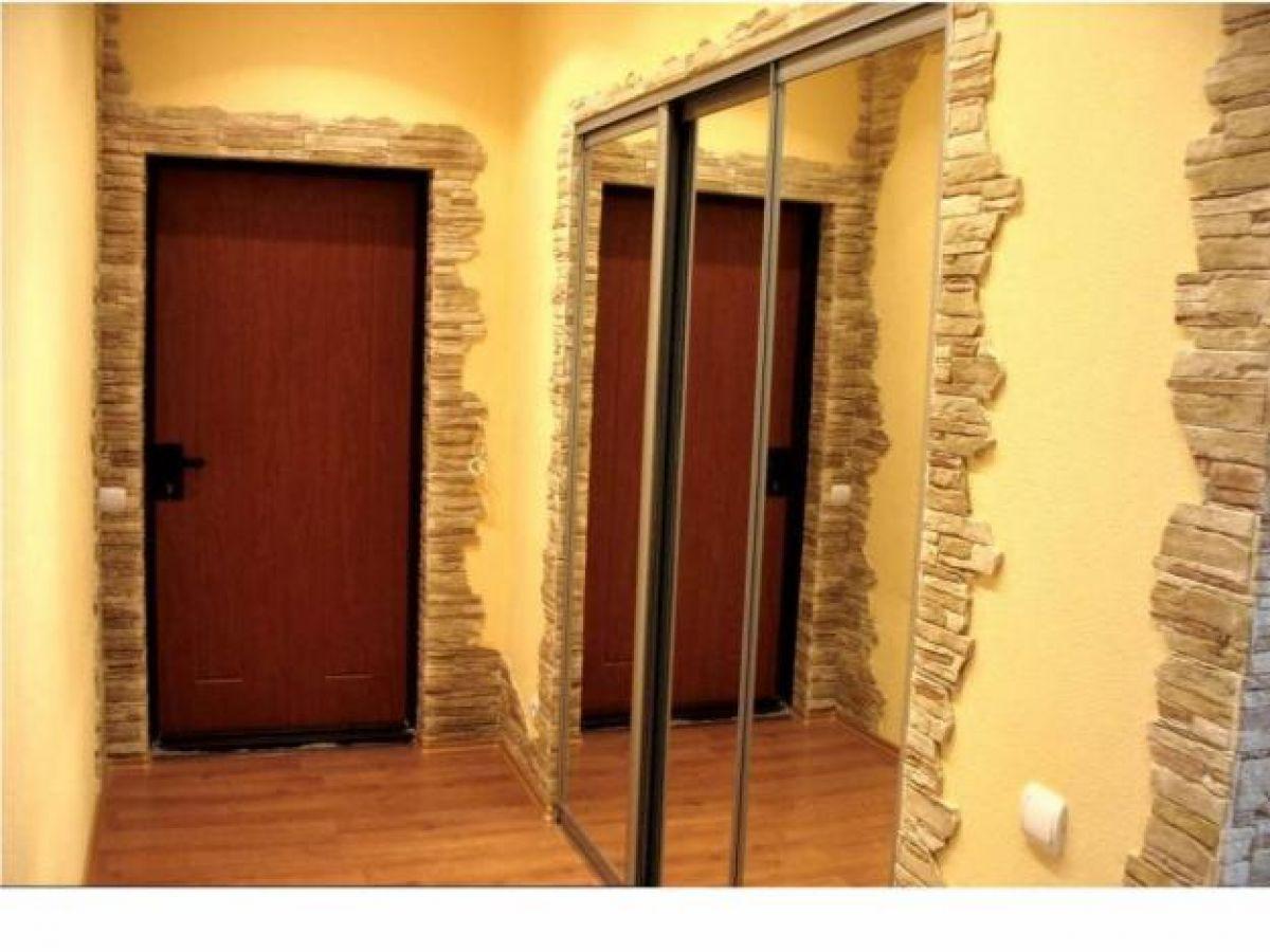 Дизайн коридора в квартире фото с камнем