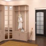 Дизайн углового шкафа в прихожую с зеркальным фасадом