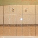Укладка плитки в ванной: подробная инструкция