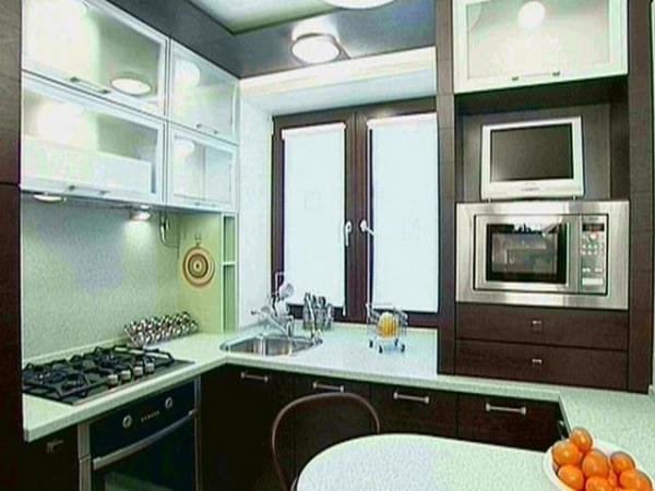 кухня в хрущевке 6 кв.м дизайн с холодильником