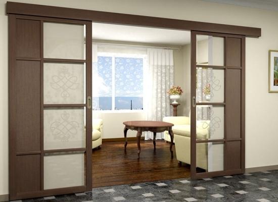Раздвижные двери в гостиной фото