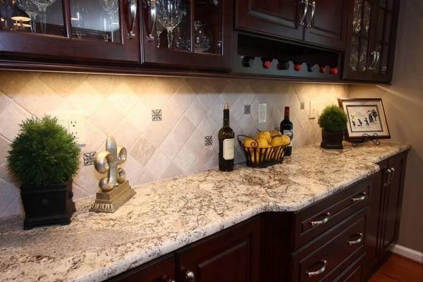 Как определяется высота фартука на кухне: инструкция по установке