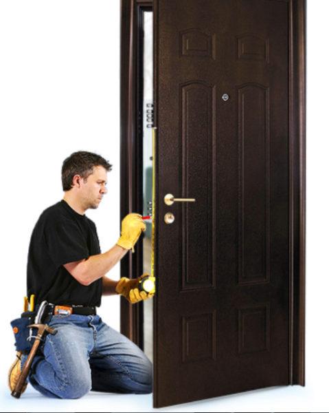 Как заменить и утеплить входную дверь своими руками? Установка надёжных замков!