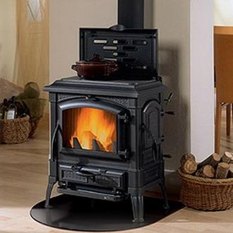 Преимущества использования дровяной печи для обустройства отопления частного дома