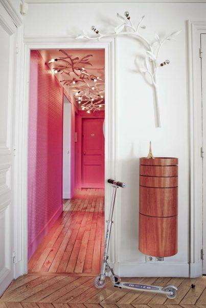 Даже в маленькой квартире можно уделить особое внимание прихожей и сделать ее самостоятельным интересным помещением